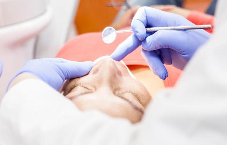 precio corona dental clinicas uax